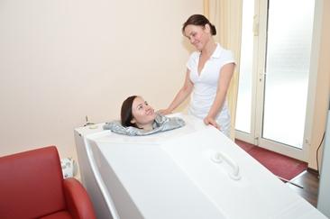 Cellulite Behandlung mit Aktiv-Sauerstoffbad